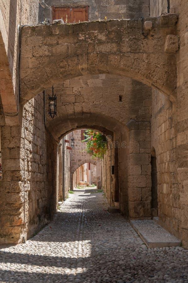 Moradia medieval residencial na parte histórica da baixa Console do Rodes Greece europa imagens de stock royalty free