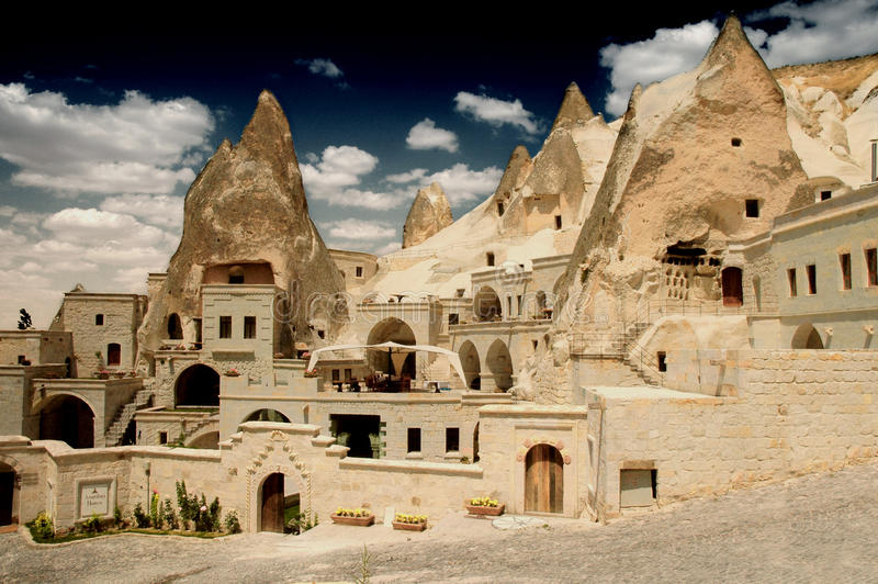 Moradias de caverna em Goreme, Cappadocia, Turquia foto de stock royalty free