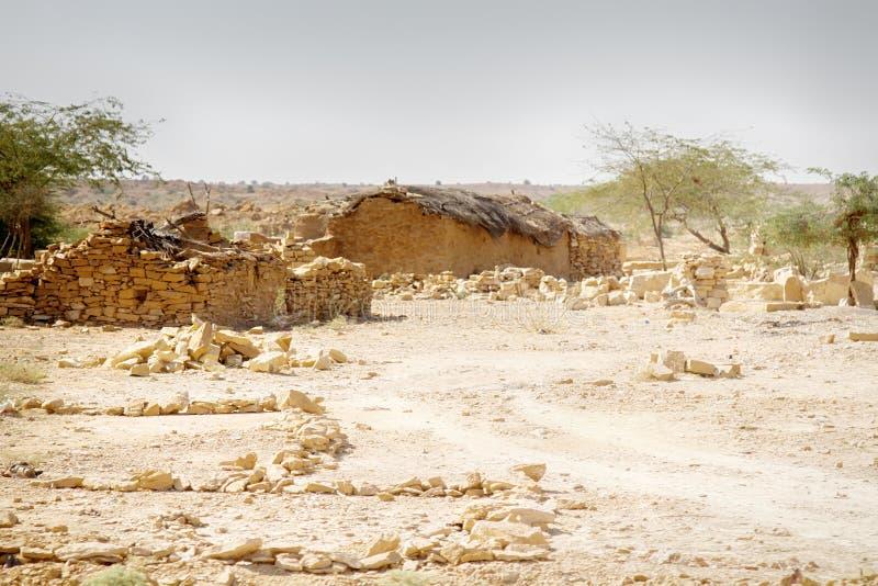 Moradores do deserto em vilas de desintegração fotografia de stock