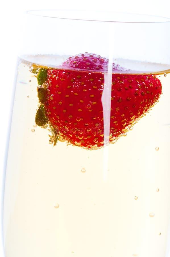 Download Morango com champanhe. foto de stock. Imagem de único - 12808394