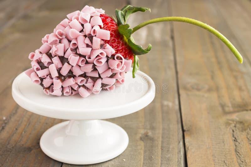 Morango cor-de-rosa do chocolate fotos de stock