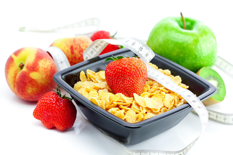 Morango, pêssego, maçã, quivi, fita da medida fotografia de stock royalty free