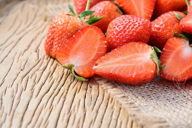 Download Morangos foto de stock. Imagem de grande, dieta, strawberry - 65580464
