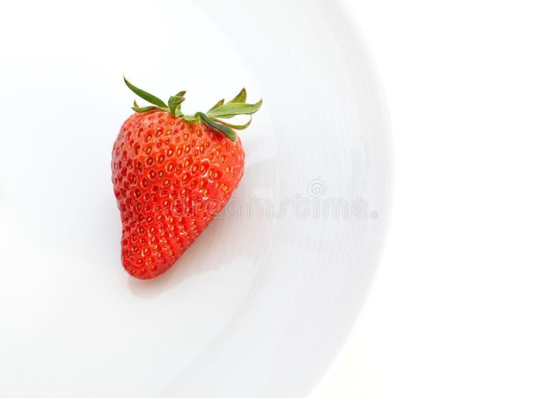Download Morangos Bonitas Isoladas No Branco Foto de Stock - Imagem de sementes, delicioso: 29846908