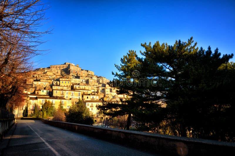 Morano Calabro, neergestreken dorp in het Nationale Park van Pollino royalty-vrije stock fotografie