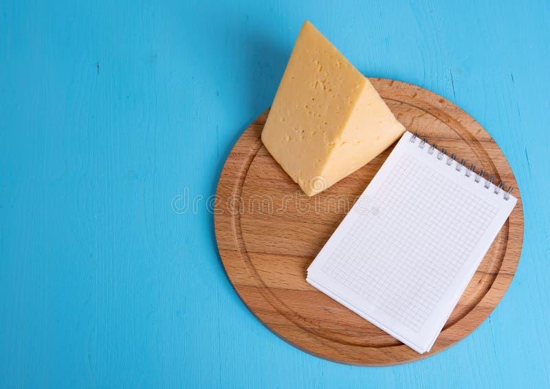 Morceau de fromage images libres de droits