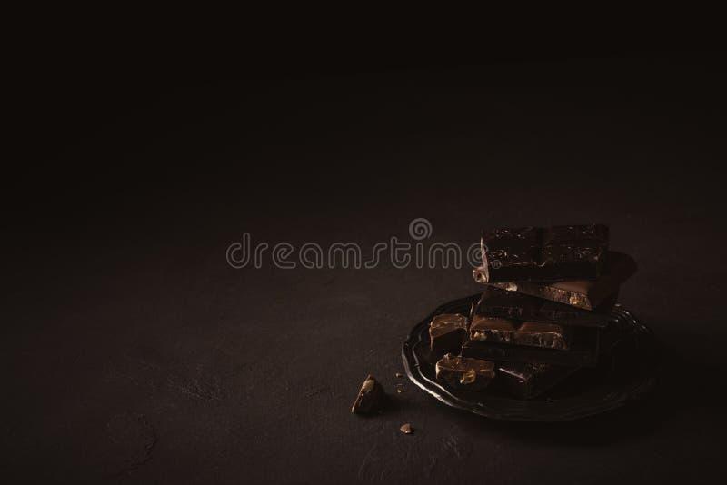 Morceaux cassés de chocolat image libre de droits