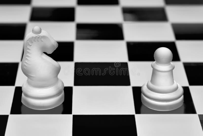 Morceaux de jeu d'échecs photo stock