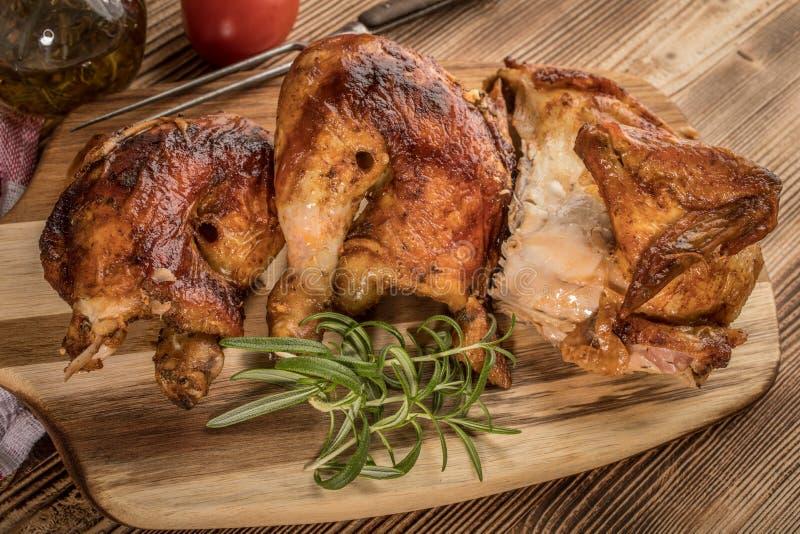 Morceaux de poulet r?ti photographie stock libre de droits