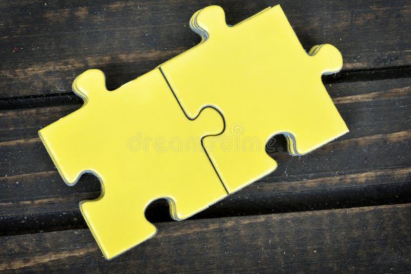 Download Morceaux De Puzzle Sur La Table Image stock - Image du partie, abstrait: 76081001