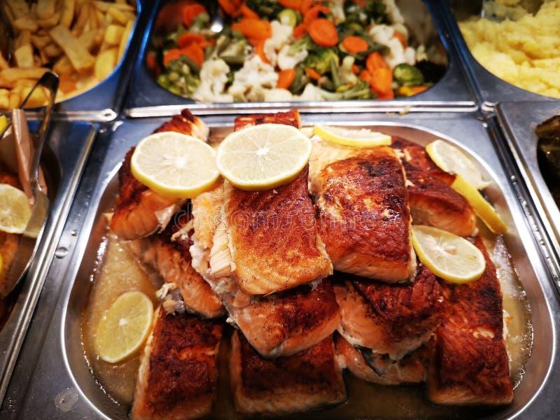 Morceaux de saumons sauvages grillés photo stock