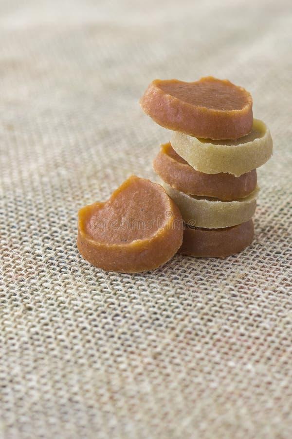 Morceaux de sucrerie faits avec les patates douces et le potiron photo libre de droits