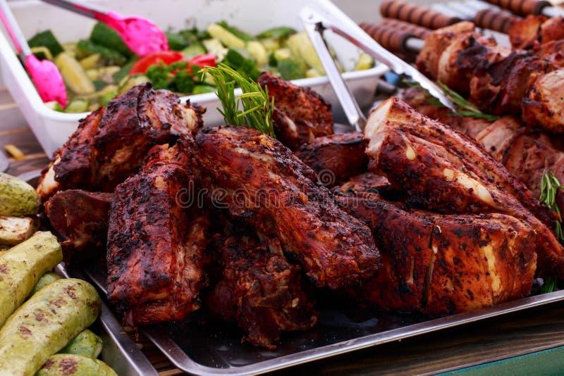 Morceaux frits de viande étroitement  photo libre de droits