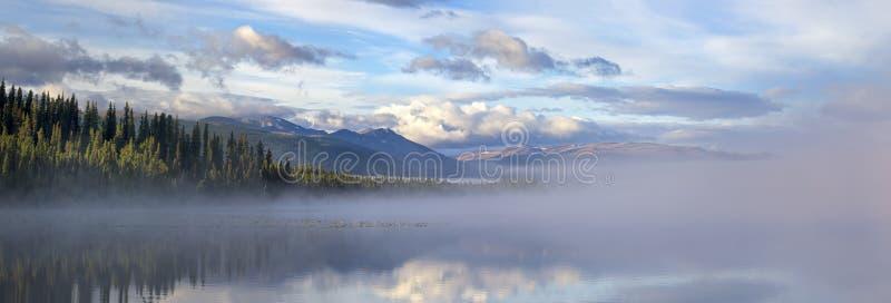 Morchua Lago-Mt. Edziza foto de stock