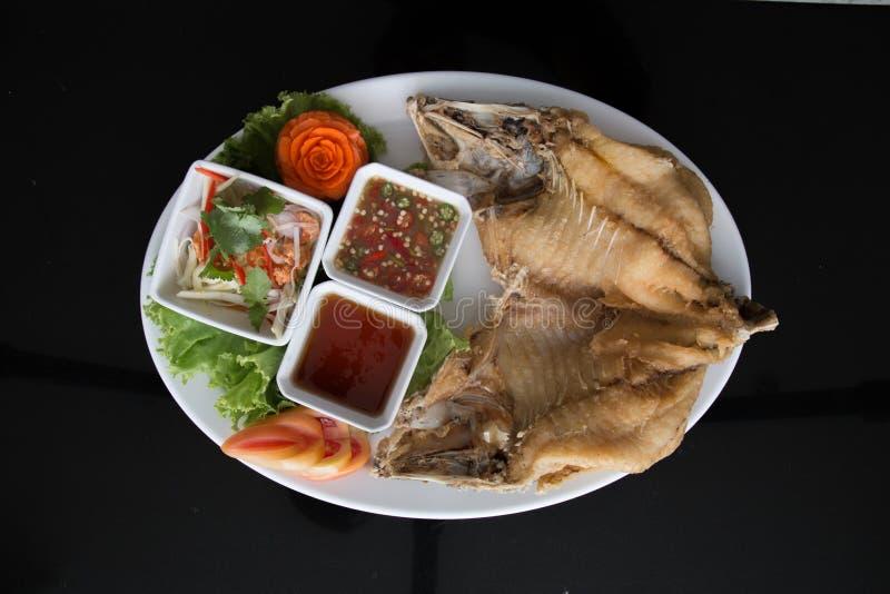 Mordedores fritos con la salsa de pescados imagen de archivo libre de regalías