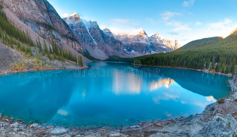 Morena jeziora panorama zdjęcie stock