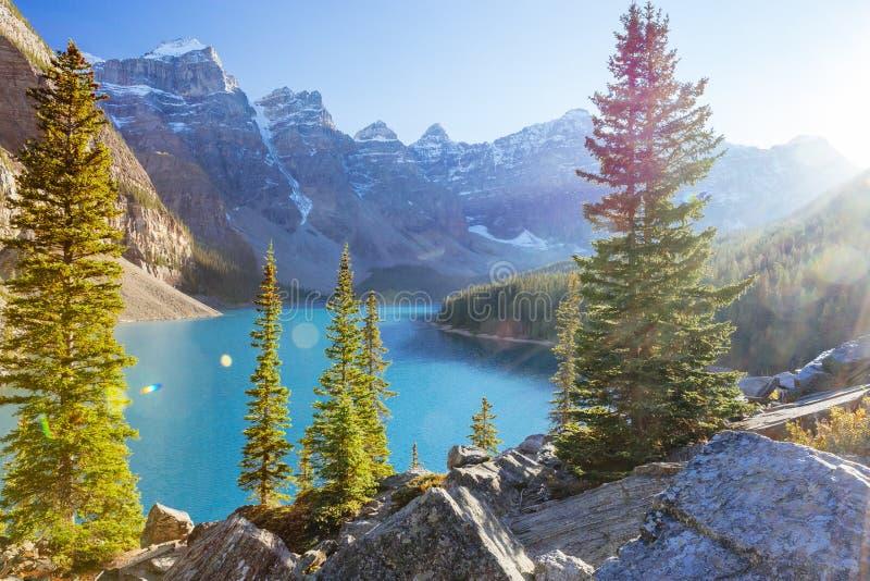 Morena jezioro, Jeziorny Louise, Banff park narodowy, Alberta, Kanada zdjęcie stock