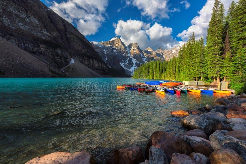 Morena jezioro w Banff parku narodowym Kanada zdjęcia royalty free
