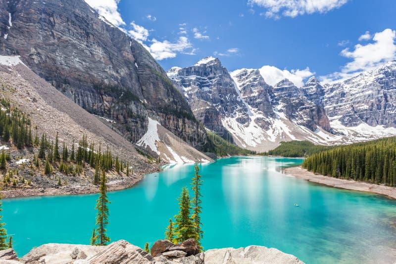 Morena jezioro w Banff parku narodowym, Kanadyjskie Skaliste góry, Kanada zdjęcia stock