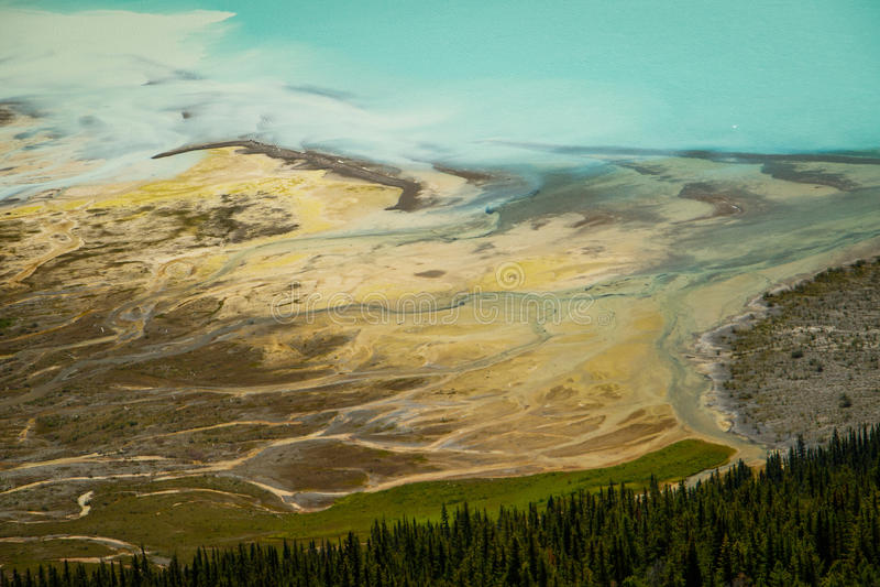 Morena y detalle más gacier de la visión aearial, Canadá del lago fotos de archivo libres de regalías