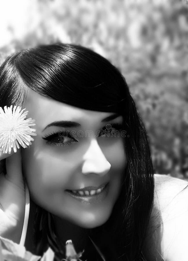 Morenita de pelo largo foto de archivo