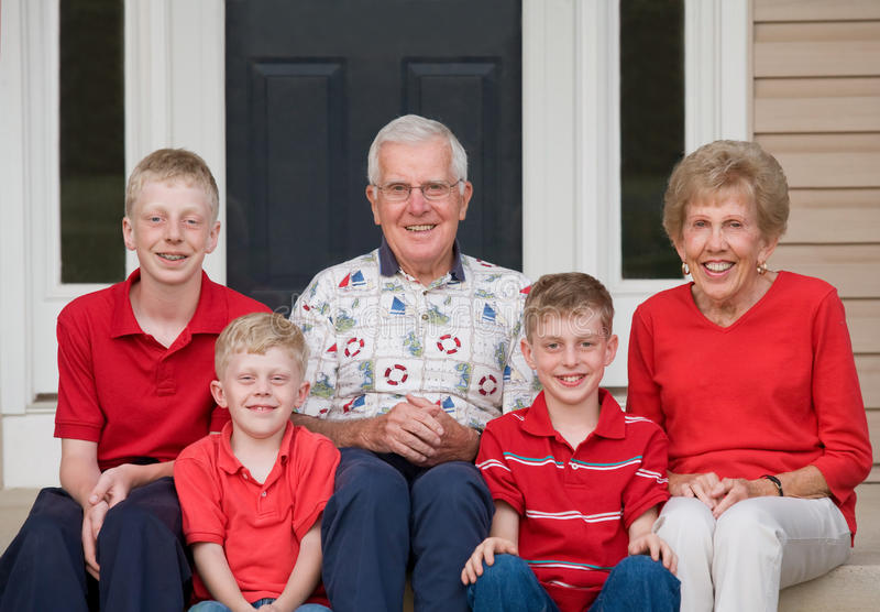 morföräldrar arkivbild