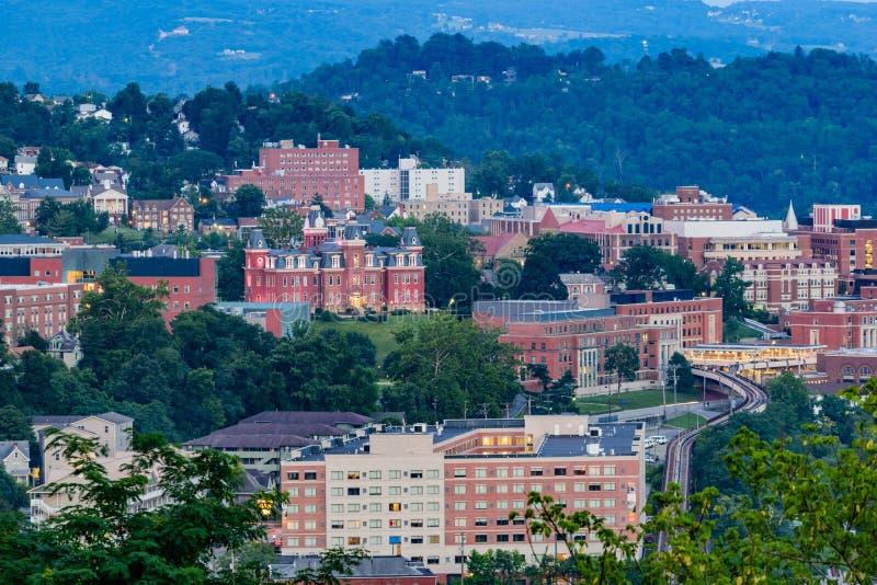 Morgantown du centre et Virginia University occidentale photographie stock libre de droits