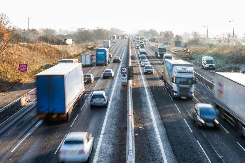 Morgen-Ansicht der gefrorenen BRITISCHEN Autobahn stockbild