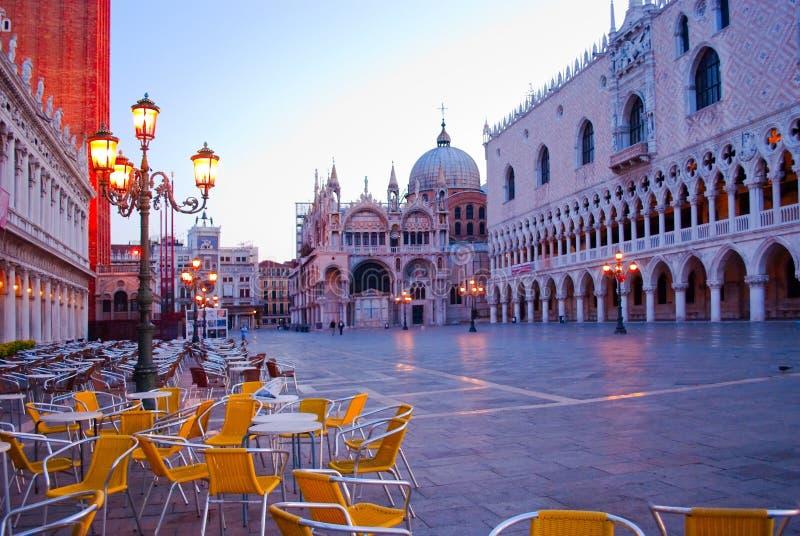 Morgen auf dem Marktplatz San Marco. Venedig lizenzfreies stockbild
