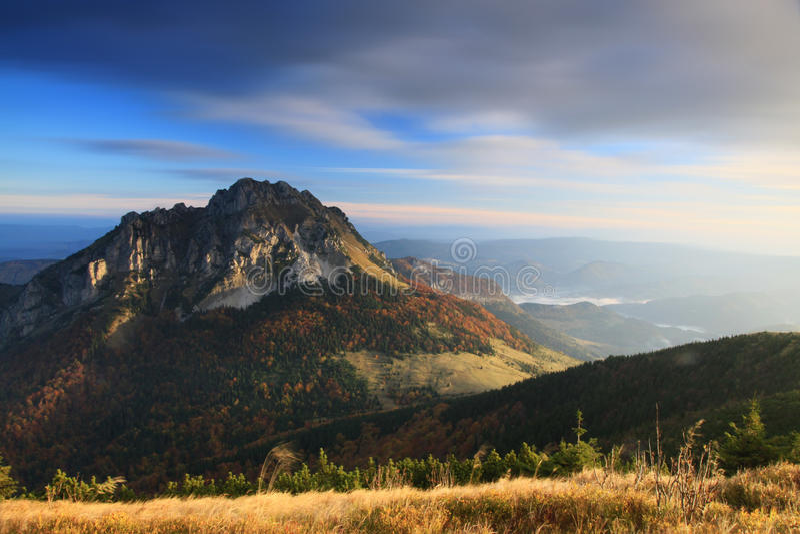 Morgen in Mala Fatra Mountains stockfoto