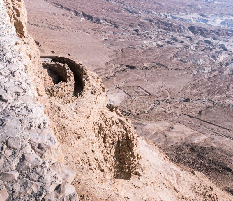 Morgenansicht des Nordpalastes von den Wänden der zerstörten Masada-Festung, BC errichtet in 25 von König Herod auf ein von stockfoto
