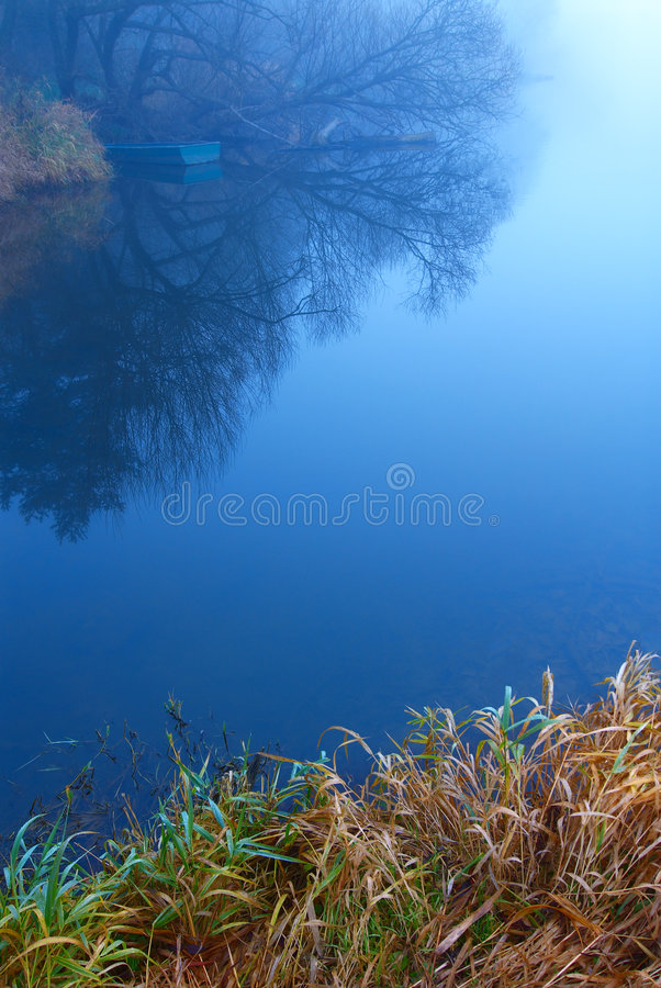 Morgenfluß stockfoto