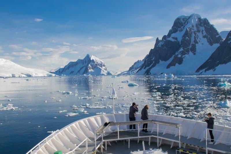 Morgon i Antarktis royaltyfri foto