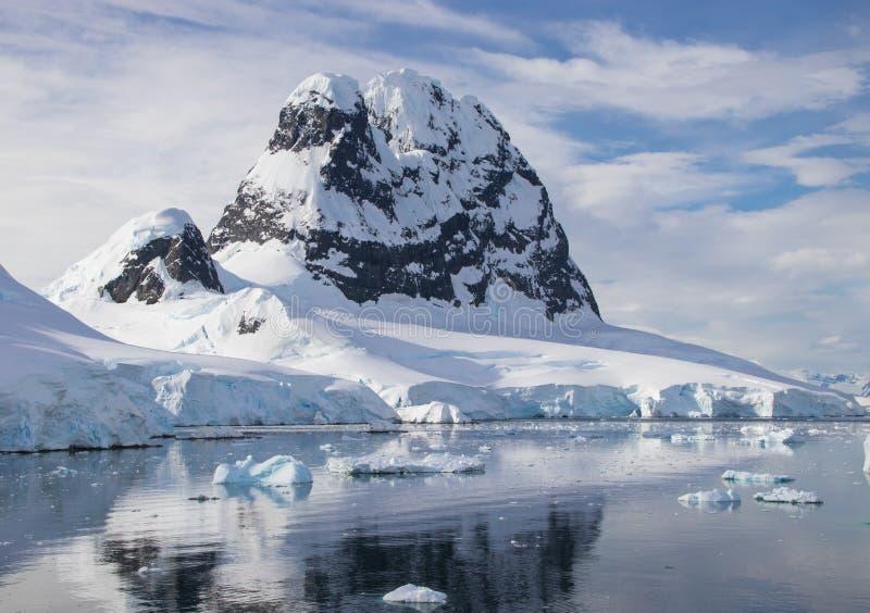 Morgon i Antarktis arkivfoto