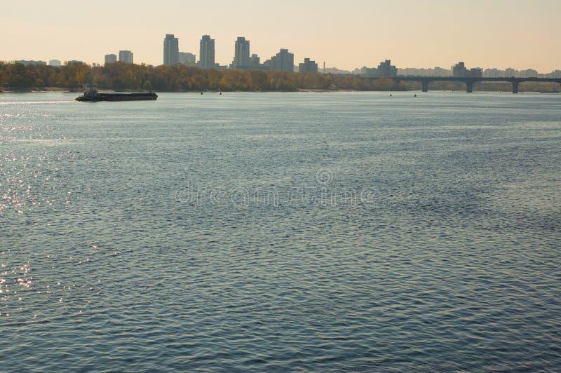 Morgon på den Dnieper floden royaltyfri bild