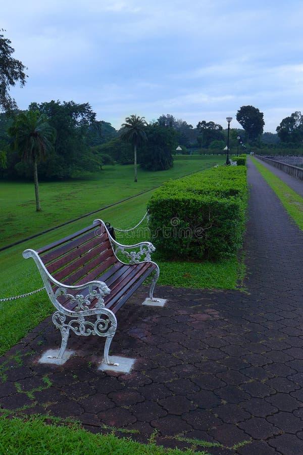 Morgonen på tränga igenombehållaren parkerar, Singapore arkivbilder