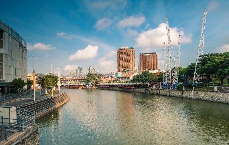 Morgonsikt av Clarke Quay, en historisk flodstrandkaj i Singapore royaltyfria bilder