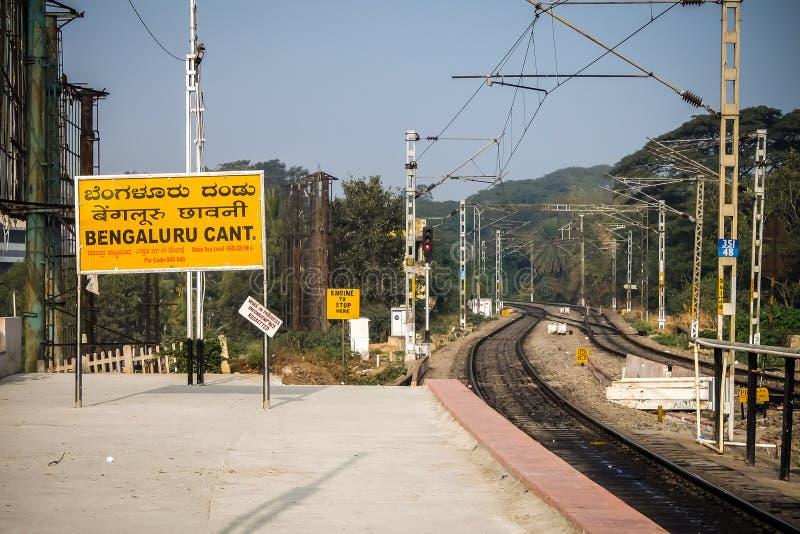 Morgonsikten av Bangalore välter järnvägsstation Bangalore, Karnataka, Indien fotografering för bildbyråer