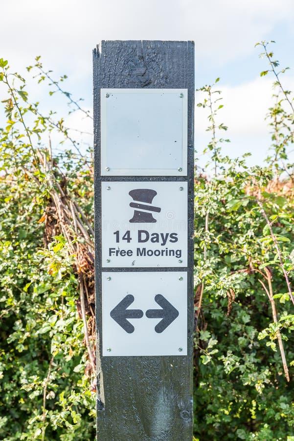 Morgonsikten 14 dagar frigör att förtöja teckenställningen royaltyfri foto
