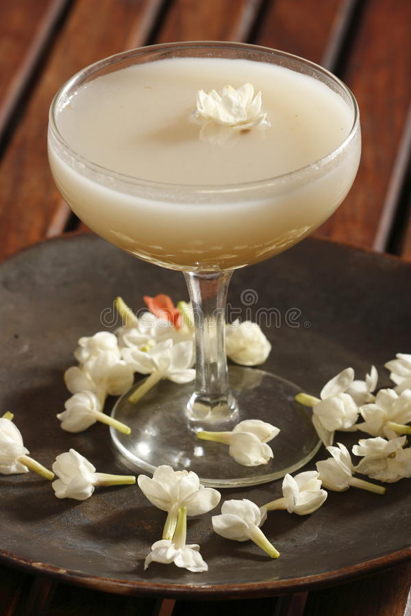 Morgranjo sherbat – en söt drink för jasminanstrykning royaltyfri bild