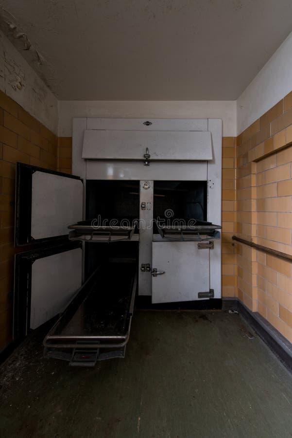 Morgue asquerosa de Derelict - Hospital estatal abandonado de Laurelton en Pensilvania foto de archivo libre de regalías