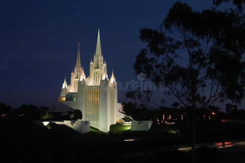 Mormonischer Tempel in San Diego, Kalifornien bei Sonnenuntergang lizenzfreies stockbild