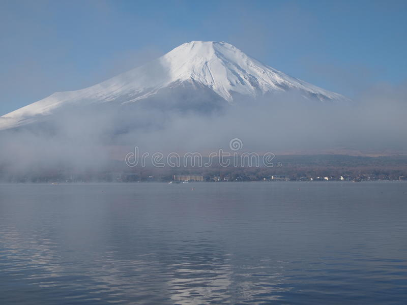 Download Morning Haze And Mount Fuji Stock Photography - Image: 32320682