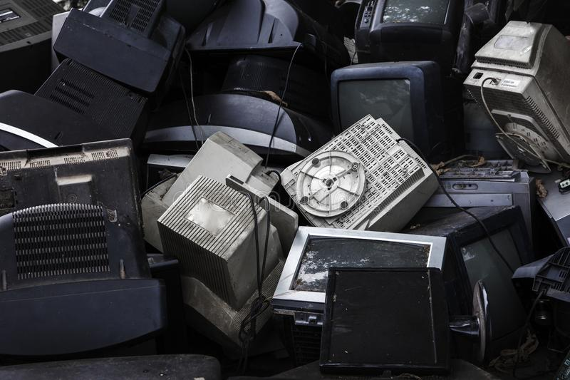 Mornitor и waset телевидения электронное стоковые фото