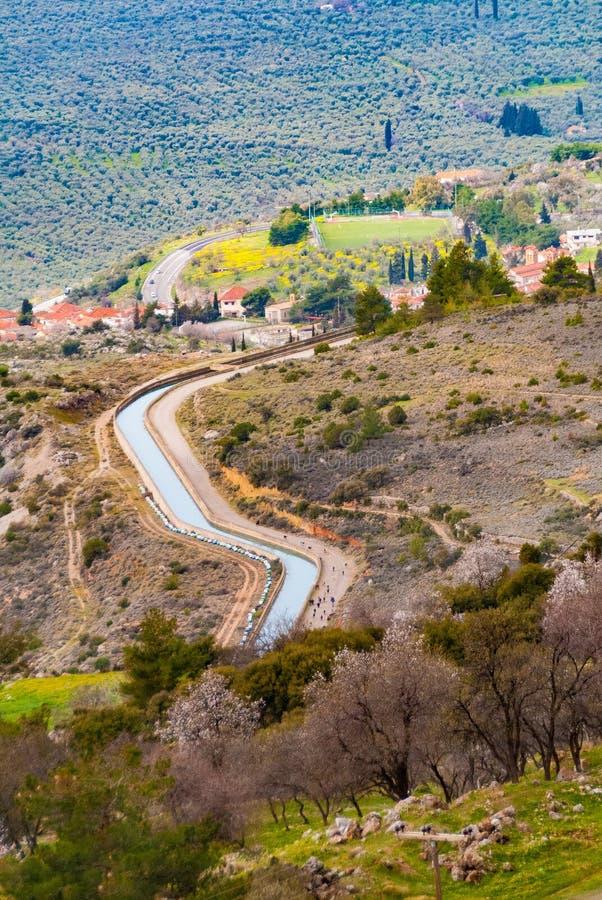 Mornos flodkanal i Attica Greece royaltyfri fotografi