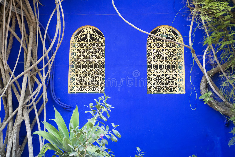 moroccan fönster royaltyfria bilder