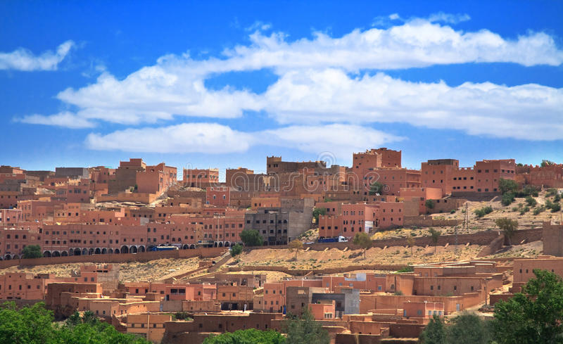 moroccan liten stad fotografering för bildbyråer