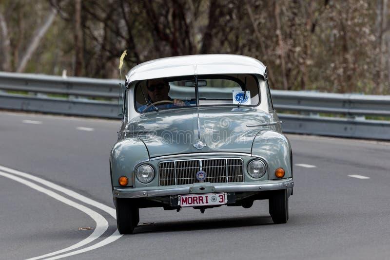 Morris Minor Low Light Sedan 1950 imágenes de archivo libres de regalías