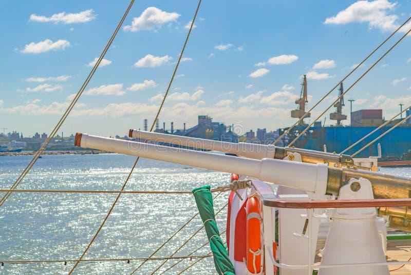 Morscy Szkolni fregata pistolety zdjęcia royalty free