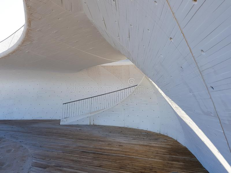 Morski spacer na Levante pla?y Benidorm Widok dojazdowi schodki od pla?y deptak fotografia stock